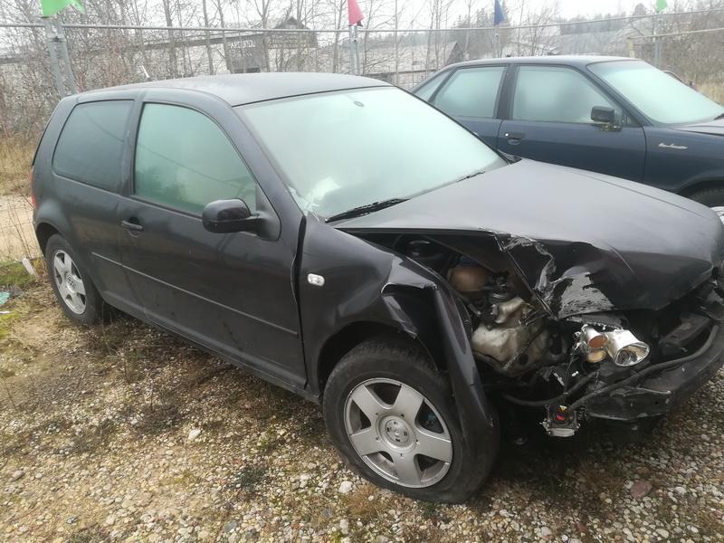 Подержанные Автозапчасти Volkswagen GOLF 2002 1.9 автоматическая хэтчбэк 2/3 d. черный 2019-11-19