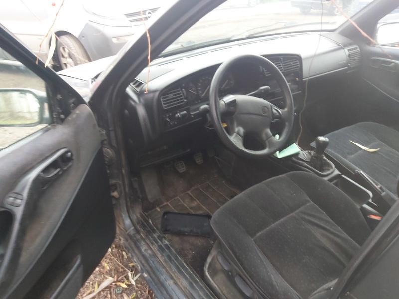 Naudotos automobilio dalys Volkswagen PASSAT 1996 1.9 Mechaninė Sedanas 4/5 d. Pilka 2020-11-12