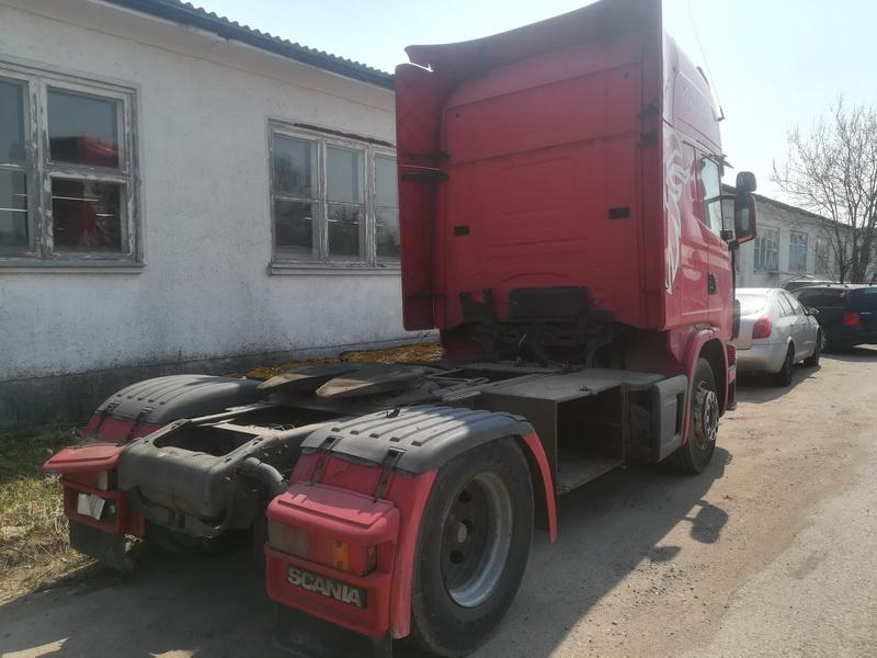 Naudotos automobiliu dallys Foto 9 Truck -Scania 124L 2001 11.7 Mechaninė Vilkikas 2/3 d. Raudona 2019-4-24 A4451