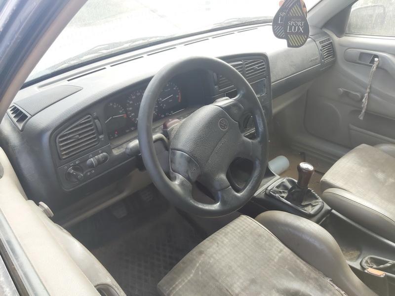 Naudotos automobilio dalys Volkswagen PASSAT 1995 1.9 Mechaninė Universalas 4/5 d. Zalia 2020-8-15