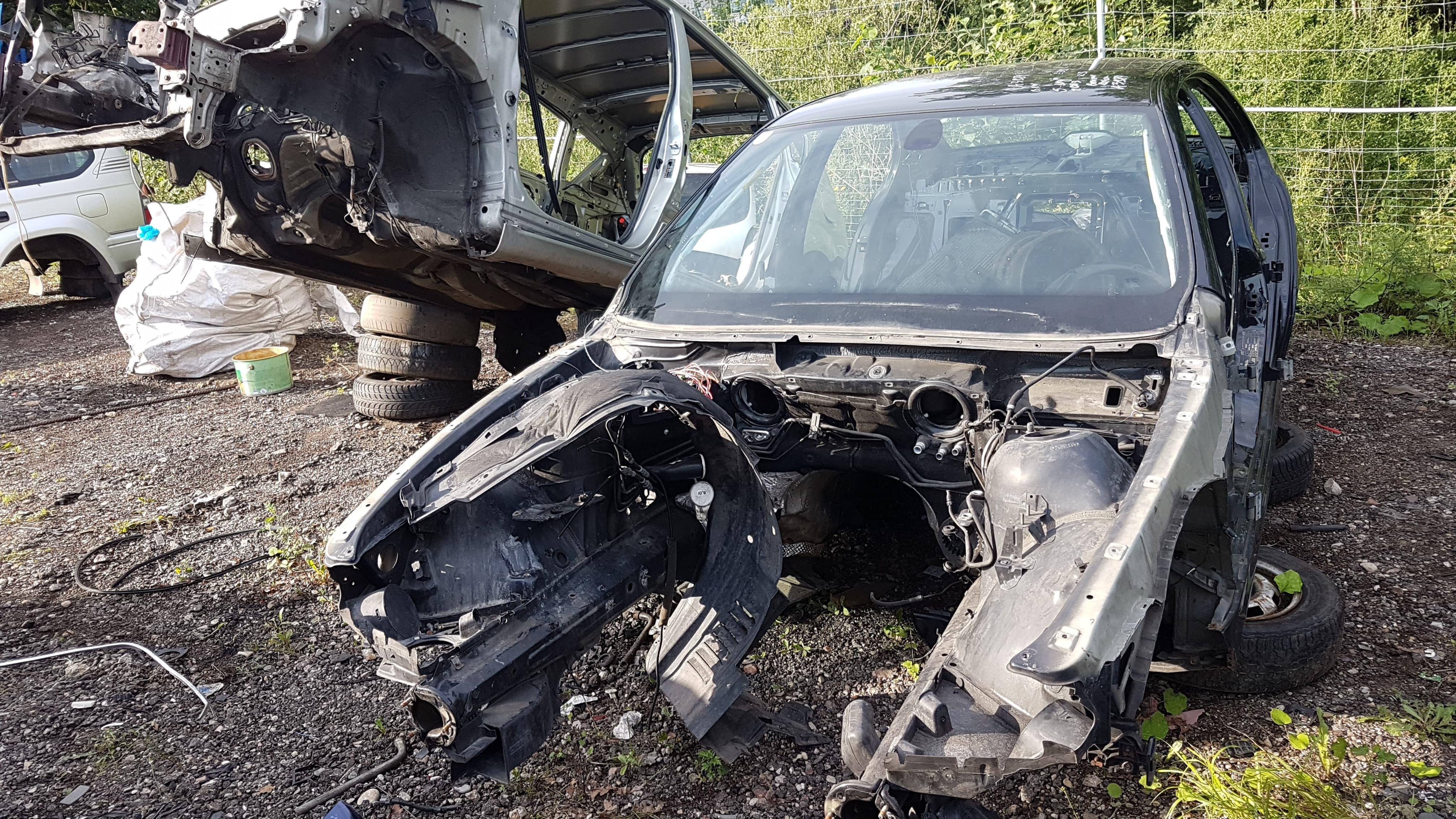Naudotos automobiliu dallys Foto 2 BMW 5-SERIES 2003 2.3 Mechaninė Sedanas 4/5 d. Juoda 2018-7-31 A3984