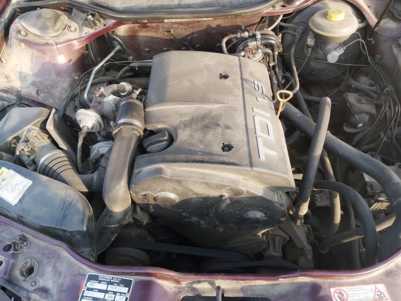 Подержанные Автозапчасти Foto 2 Audi A6 1994 1.9 машиностроение седан 4/5 d. красный 2020-11-19 A5835