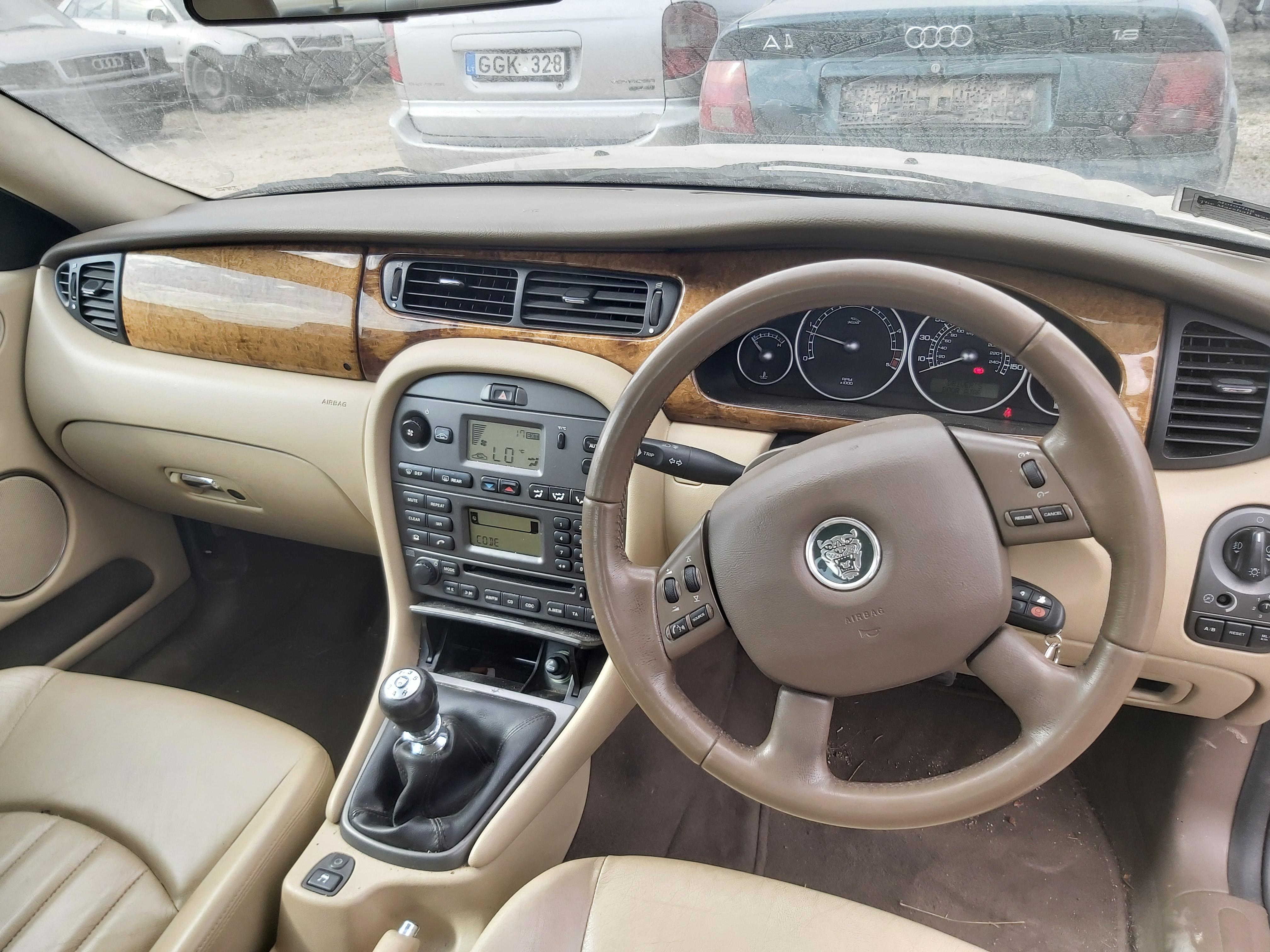 Подержанные Автозапчасти Jaguar X-TYPE 2004 2.0 машиностроение седан 4/5 d. Сэнди 2020-4-24