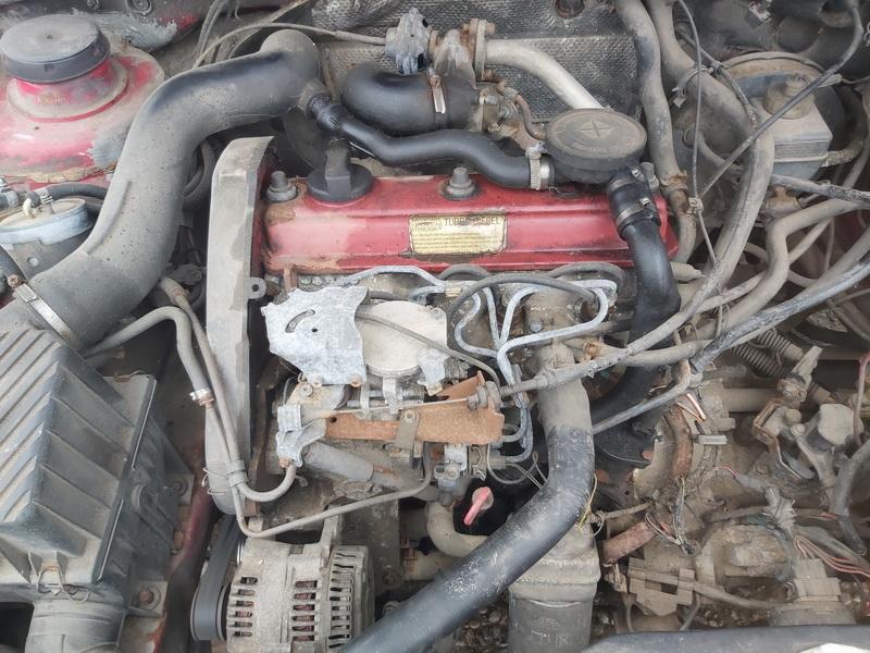 Naudotos automobiliu dallys Foto 2 Volkswagen PASSAT 1992 1.9 Mechaninė Universalas 4/5 d. Raudona 2020-4-10 A5207