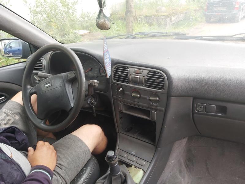 Naudotos automobilio dalys Volvo V40 1998 1.9 Mechaninė Universalas 4/5 d. Juoda 2020-7-20