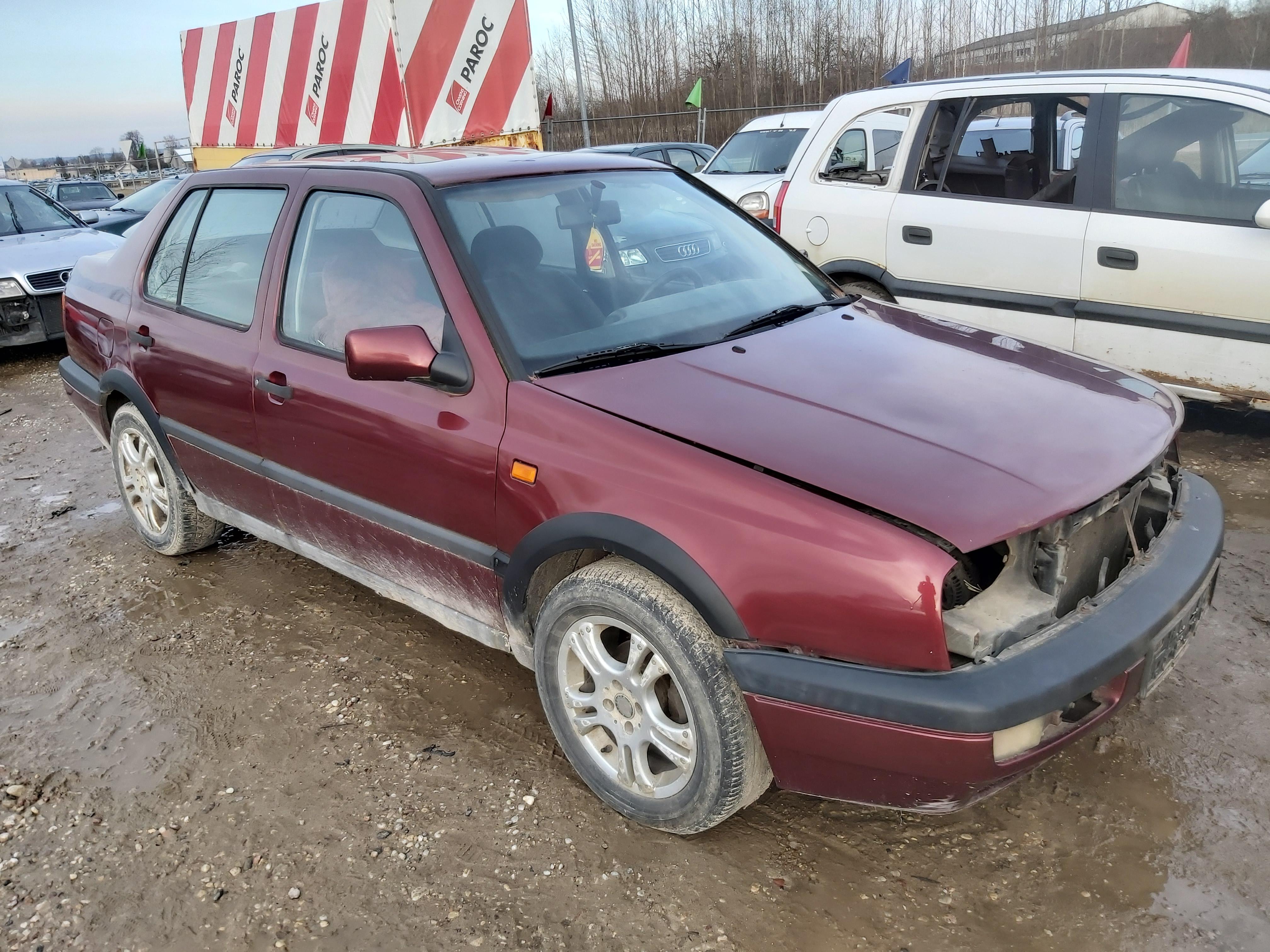 Naudotos automobilio dalys Volkswagen VENTO 1994 1.9 Mechaninė Sedanas 4/5 d. Raudona 2020-2-27
