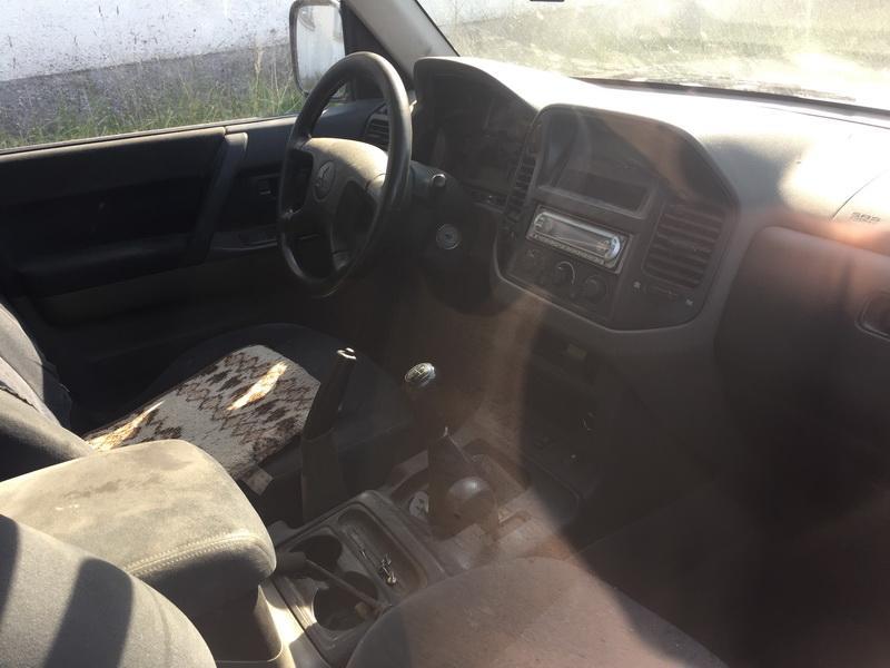 Naudotos automobiliu dallys Foto 7 Mitsubishi PAJERO 2001 3.2 Mechaninė Visureigis 4/5 d. Sidabrine 2018-9-19 A4089