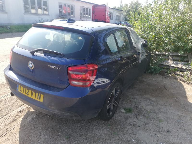 Naudotos automobiliu dallys Foto 5 BMW 1-SERIES 2012 2.0 Mechaninė Hečbekas 4/5 d. Melyna 2019-9-09 A4741