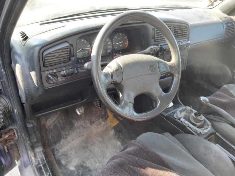 Naudotos automobiliu dallys Foto 6 Volkswagen PASSAT 1994 1.9 Mechaninė Universalas 4/5 d. Violetine 2020-3-24 A5156