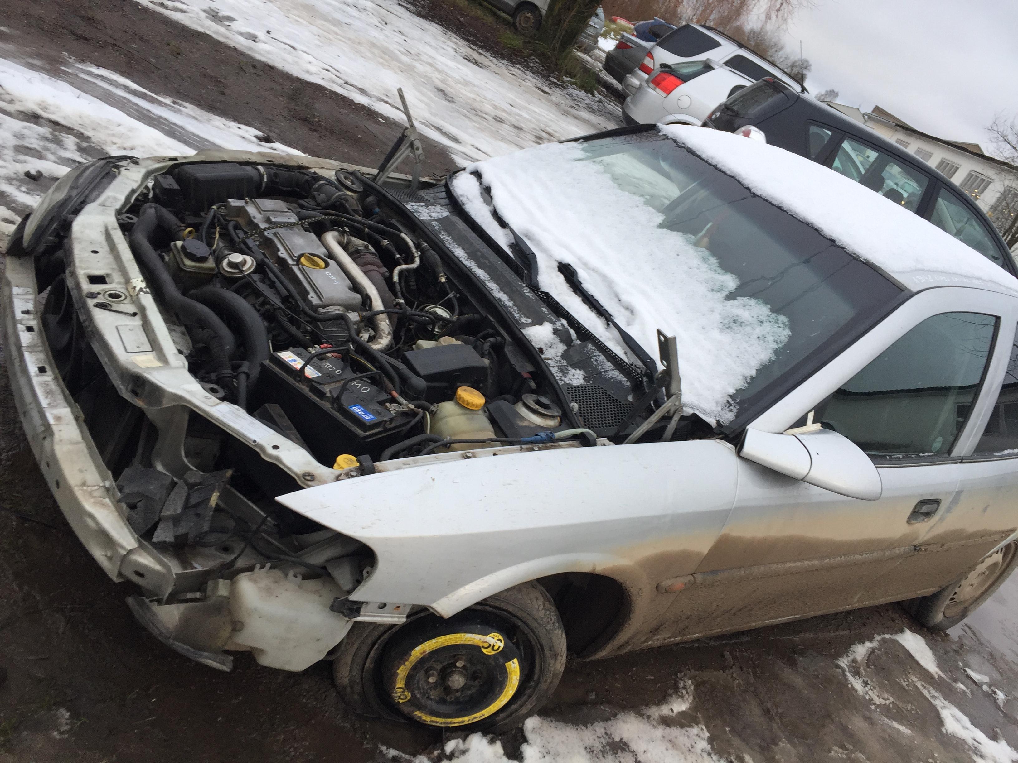Подержанные Автозапчасти Foto 3 Opel VECTRA 1997 2.0 машиностроение седан 4/5 d. серебро 2017-12-06 A3548