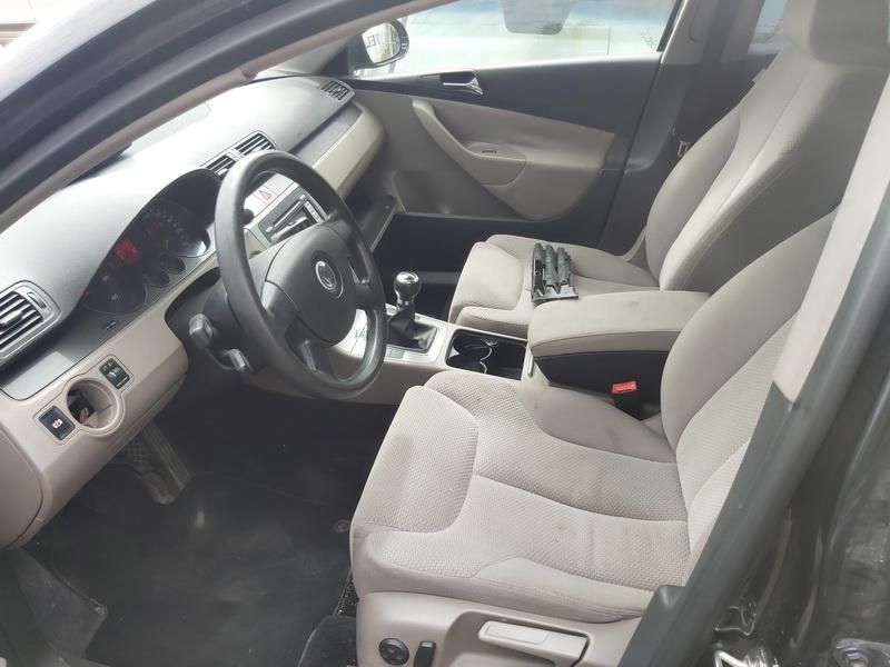 Naudotos automobilio dalys Volkswagen PASSAT 2007 1.9 Mechaninė Universalas 4/5 d. Juoda 2020-7-23