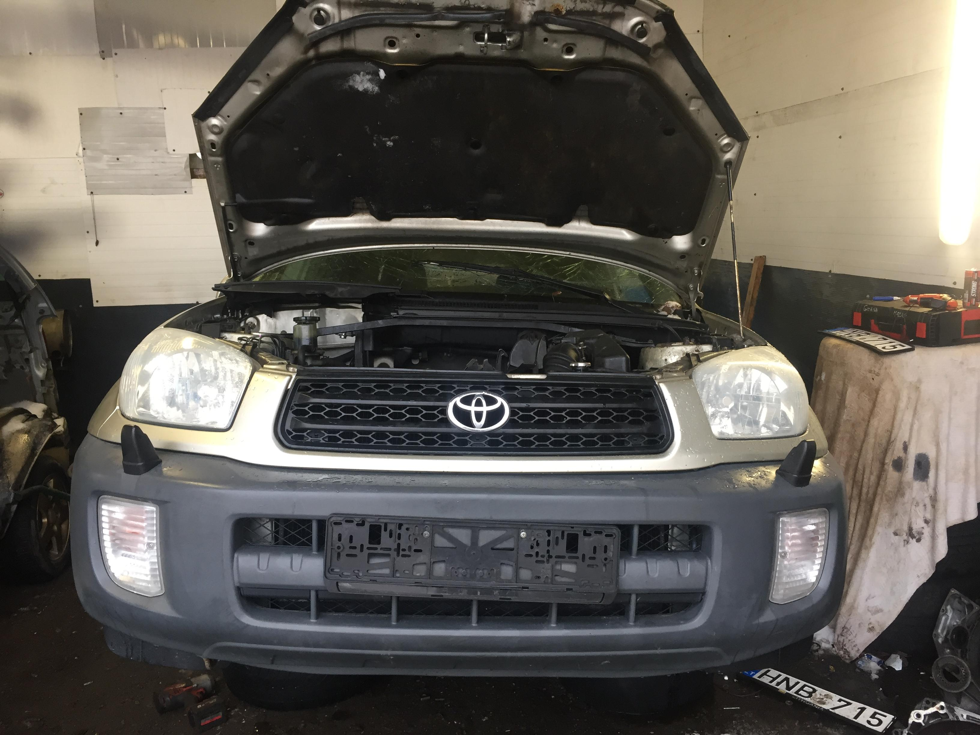 Toyota RAV-4 2002 1.8 Mechaninė
