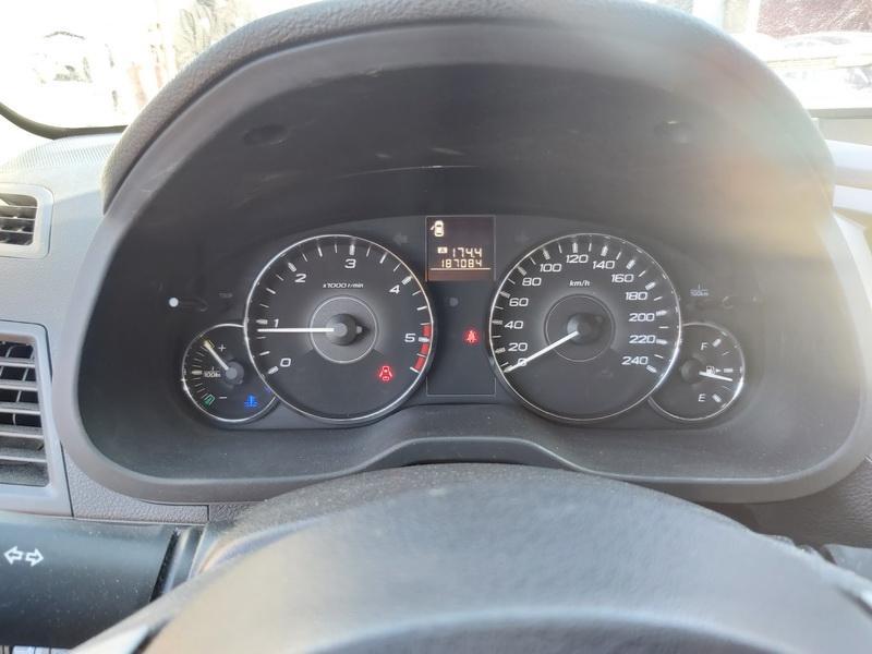 Naudotos automobiliu dallys Foto 5 Subaru OUTBACK 2011 2.0 Mechaninė Universalas 4/5 d. Pilka 2020-3-26 A5161