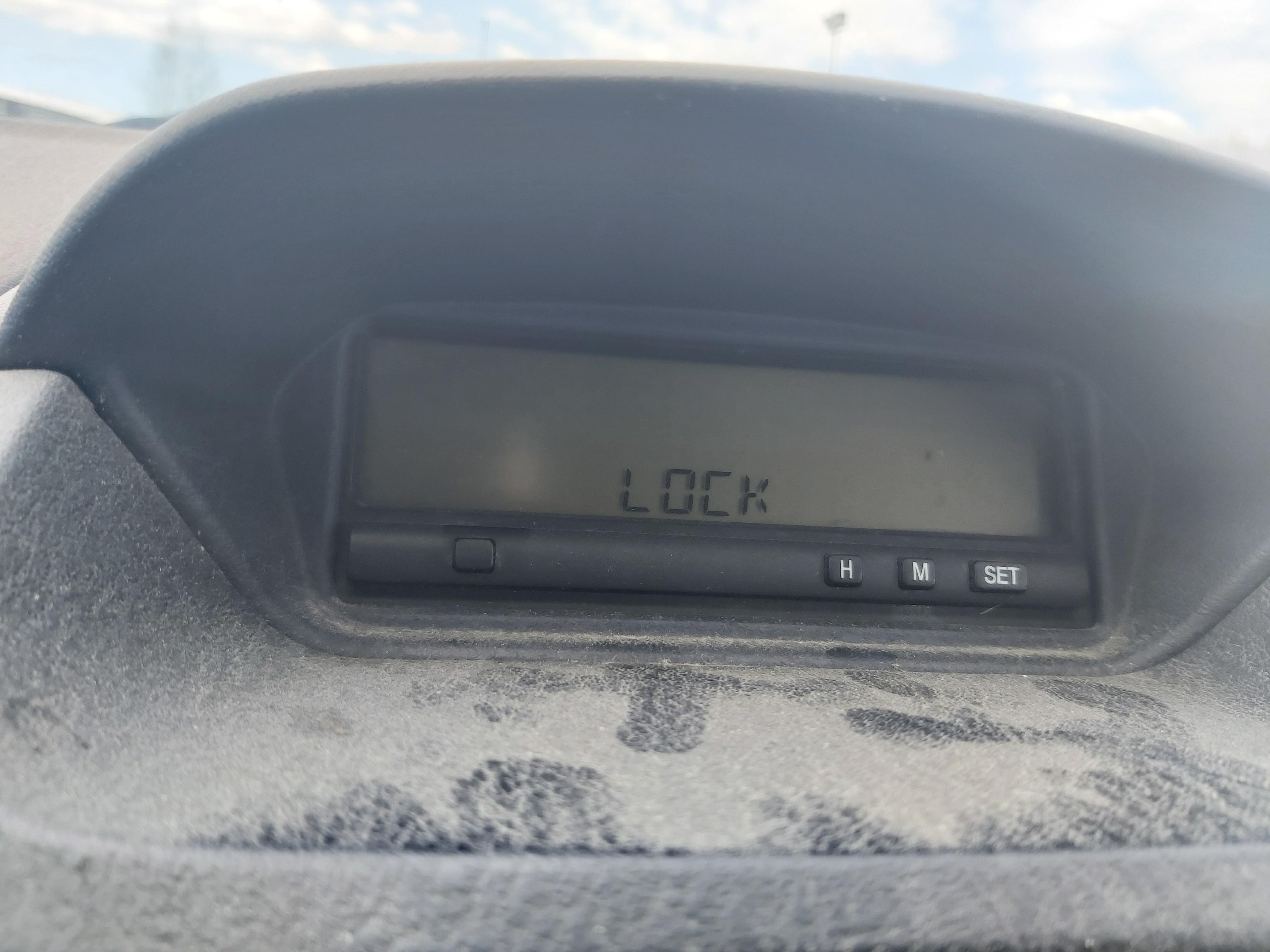 Naudotos automobiliu dallys Foto 8 Mitsubishi CARISMA 2000 1.9 Mechaninė Hečbekas 4/5 d. Melyna 2020-5-06 A5261