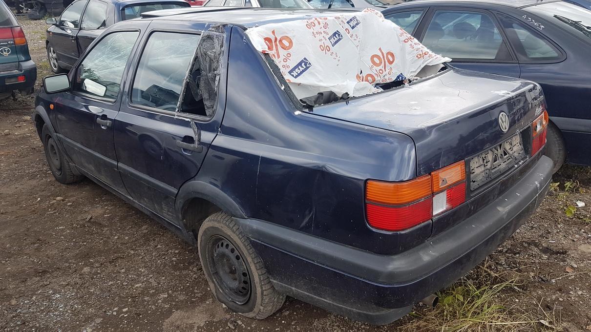 Naudotos automobilio dalys Volkswagen VENTO 1994 1.9 Mechaninė Sedanas 4/5 d. Violetine 2017-7-26