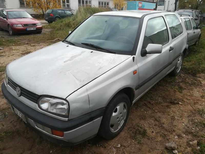 Naudotos automobiliu dallys Foto 4 Volkswagen GOLF 1995 1.9 Mechaninė Hečbekas 2/3 d. Pilka 2019-10-15 A4835