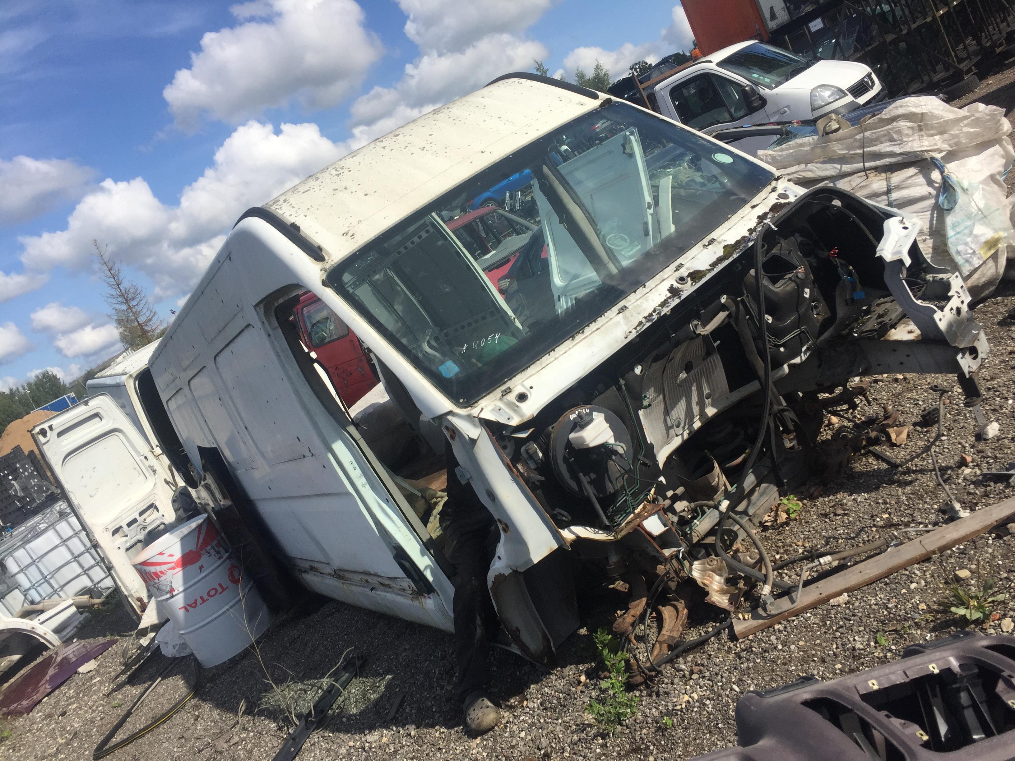 Naudotos automobiliu dallys Foto 3 Renault MASTER 2001 2.8 Mechaninė Krovininis mikroautobusas 4/5 d. Balta 2018-8-27 A4054