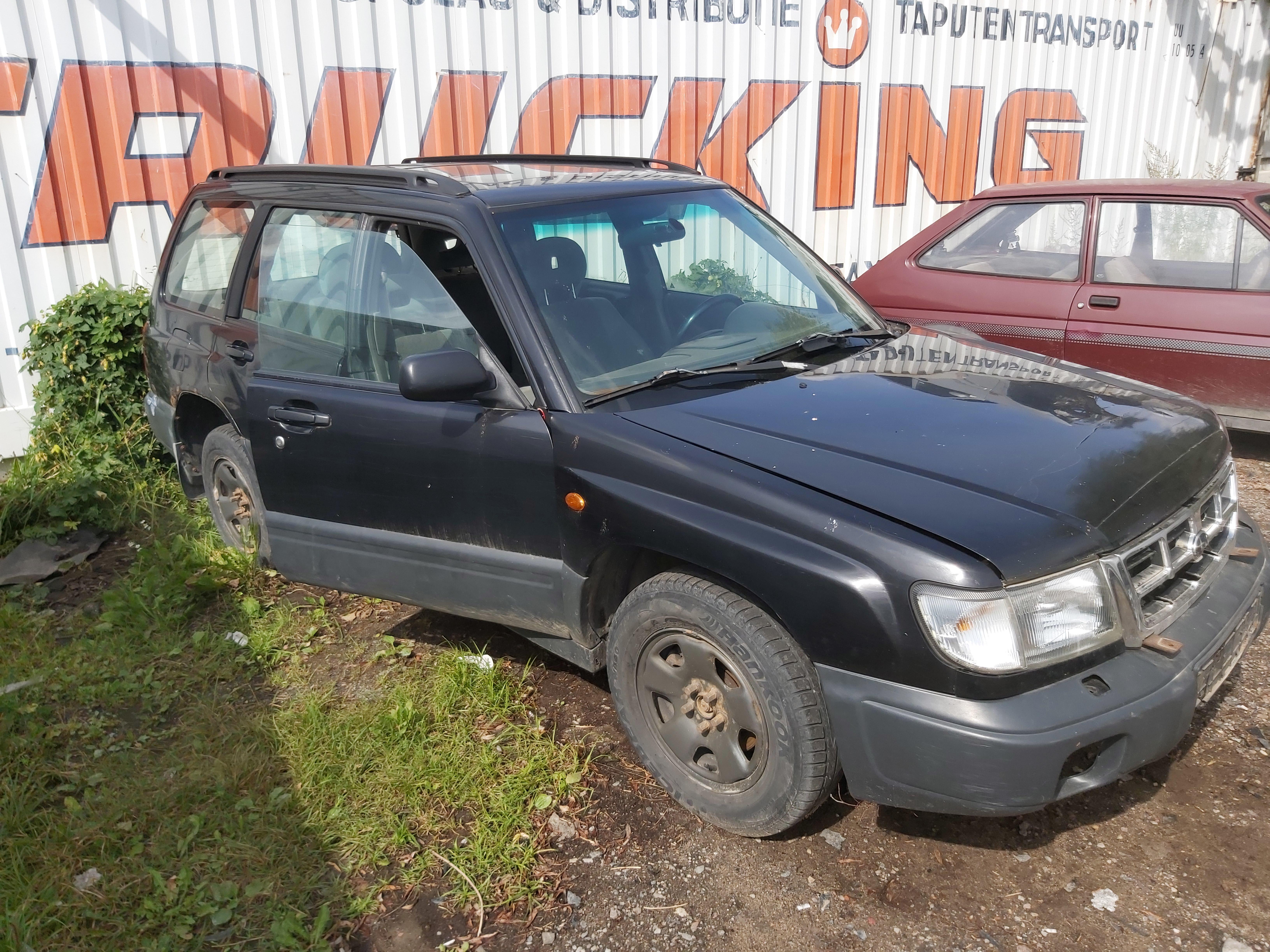 Naudotos automobilio dalys Subaru FORESTER 1999 2.0 Automatinė Visureigis 4/5 d. Juoda 2020-8-25