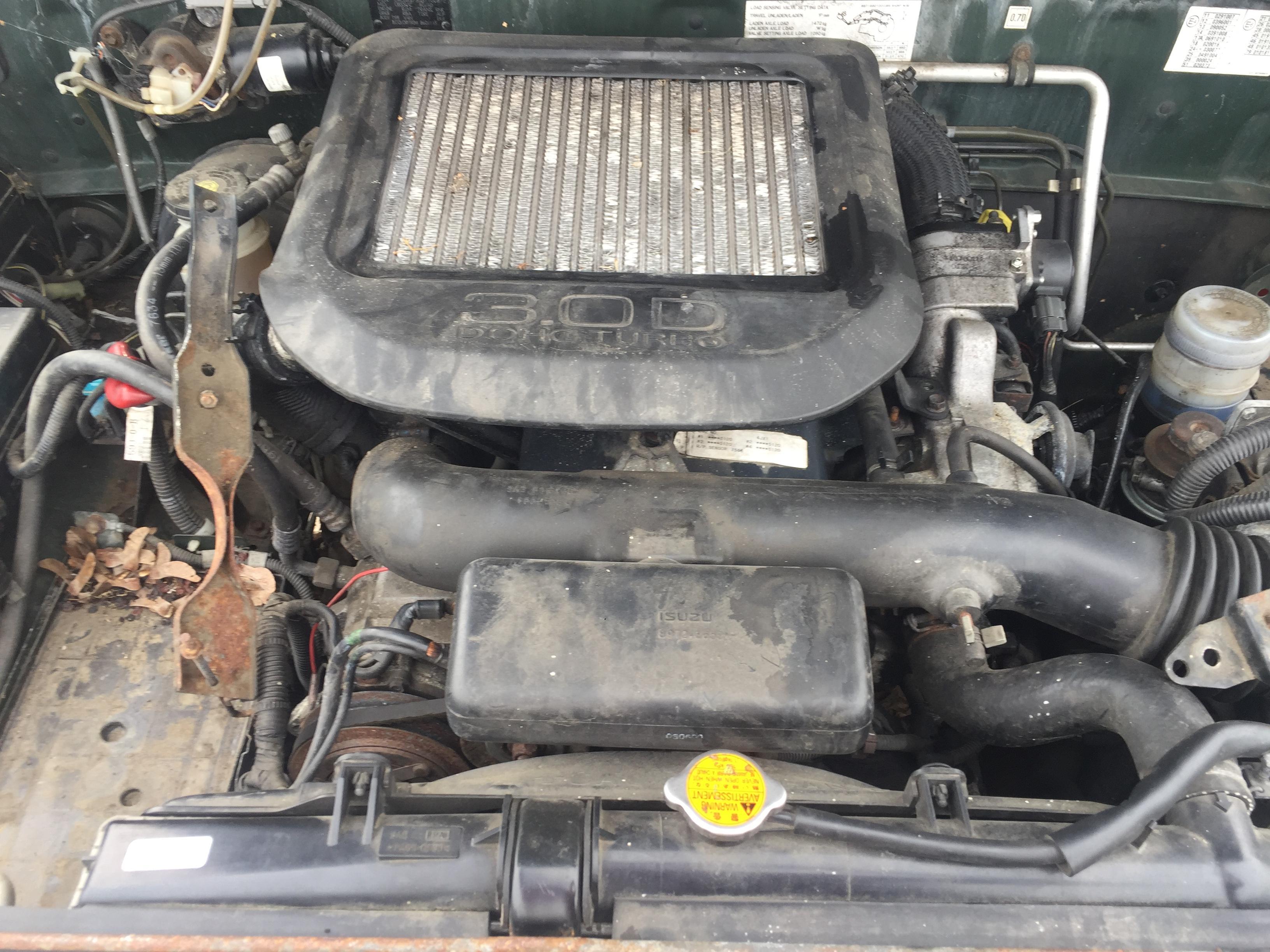 Naudotos automobiliu dallys Foto 2 Isuzu TROOPER 2005 3.0 Mechaninė Visureigis 2/3 d. Zalia 2017-8-10 A3397