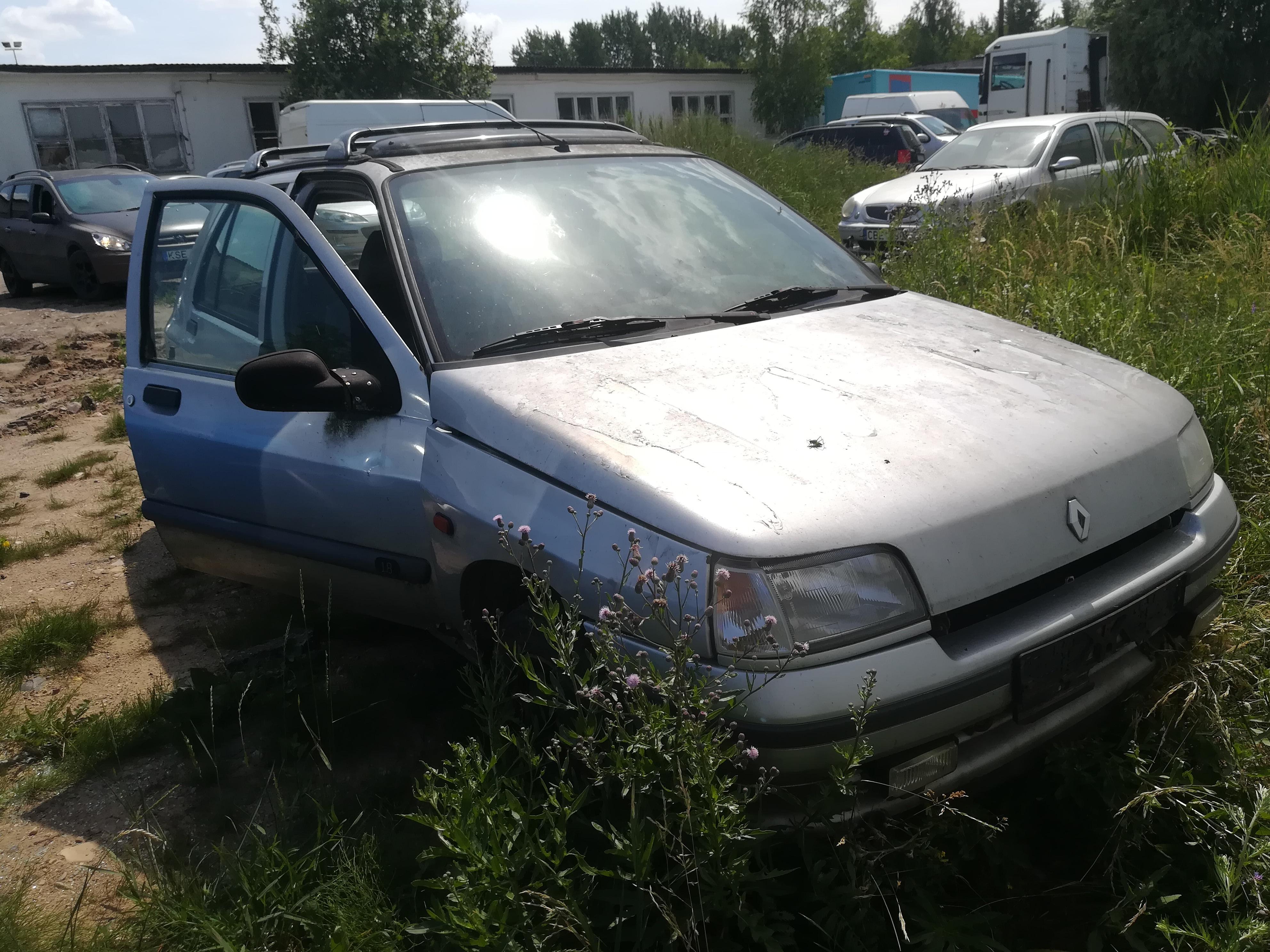 Naudotos automobiliu dallys Foto 7 Renault CLIO 1995 1.8 Automatinė Hečbekas 4/5 d. Sidabrine 2019-6-26 A4580