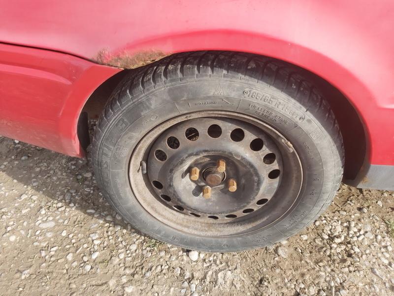 Naudotos automobiliu dallys Foto 9 Toyota PASEO 1997 1.5 Mechaninė Kupė 2/3 d. Raudona 2020-10-17 A5767
