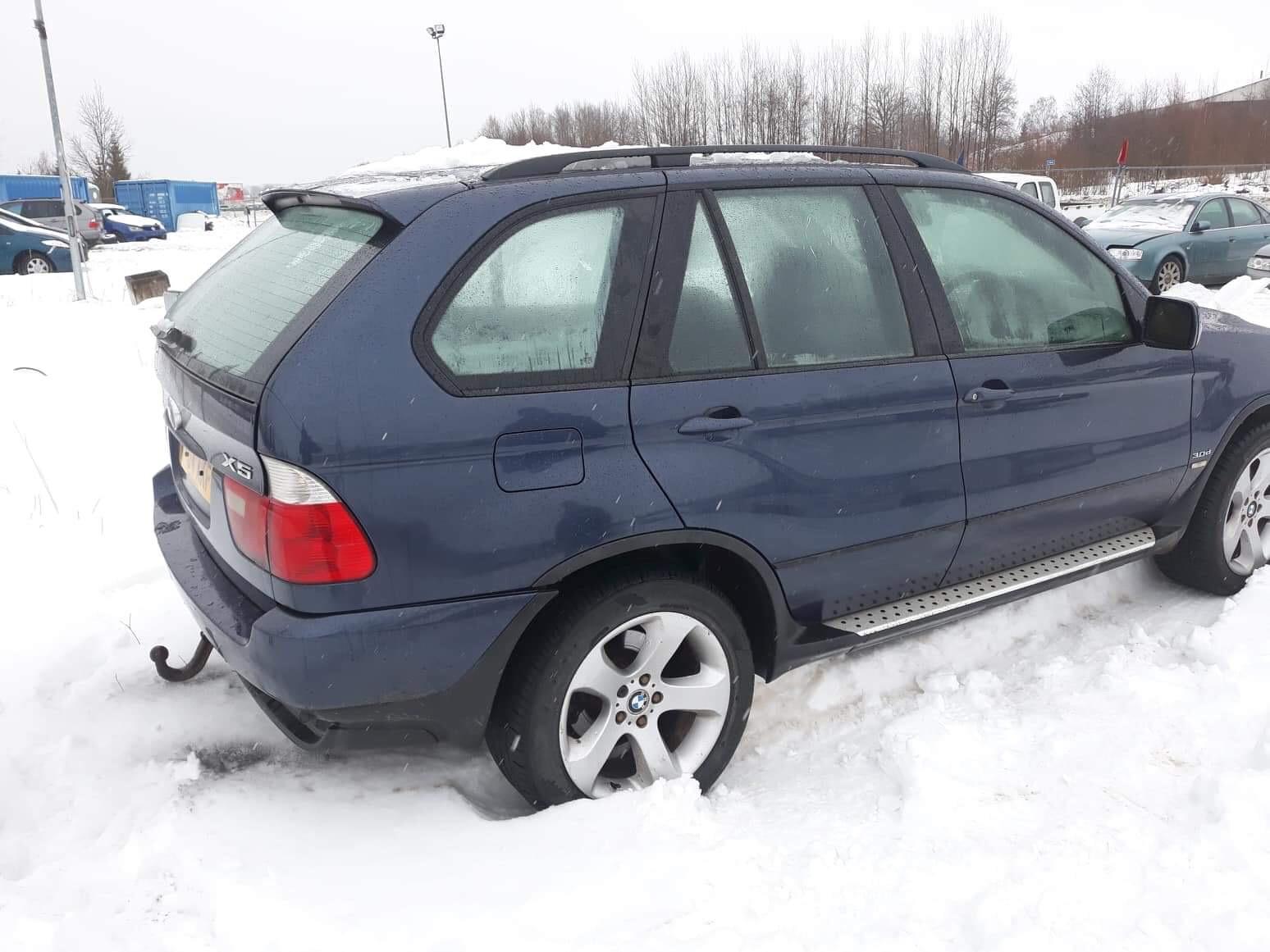 Naudotos automobiliu dallys Foto 3 BMW X5 2004 3.0 Mechaninė Visureigis 4/5 d. Melyna 2019-2-01 A4288