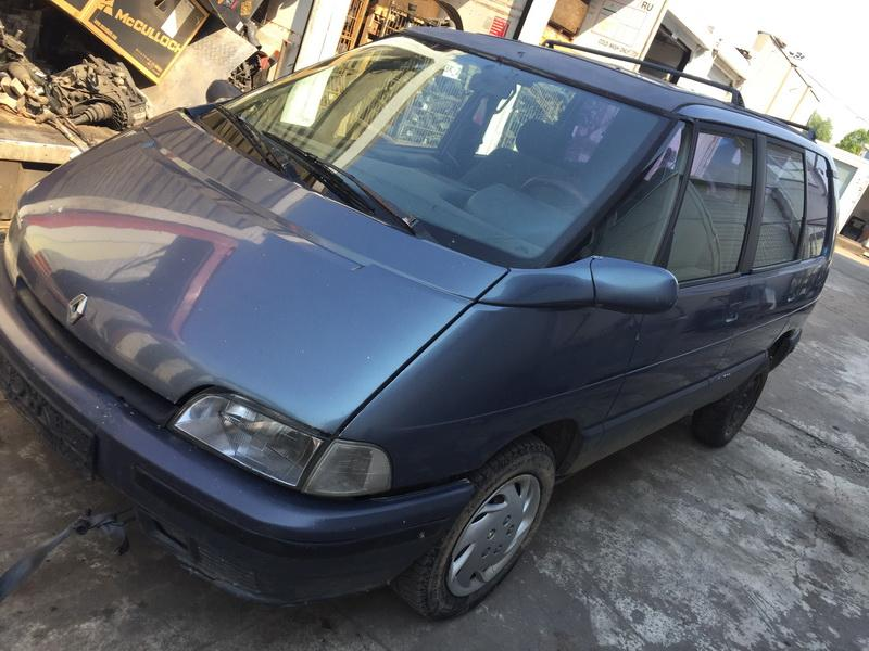 Подержанные Автозапчасти Renault ESPACE 1995 2.1 машиностроение минивэн 4/5 d. Серый 2018-6-11