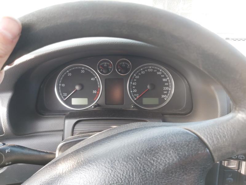 Naudotos automobilio dalys Volkswagen PASSAT 2004 1.9 Mechaninė Universalas 4/5 d. Balta 2020-9-16