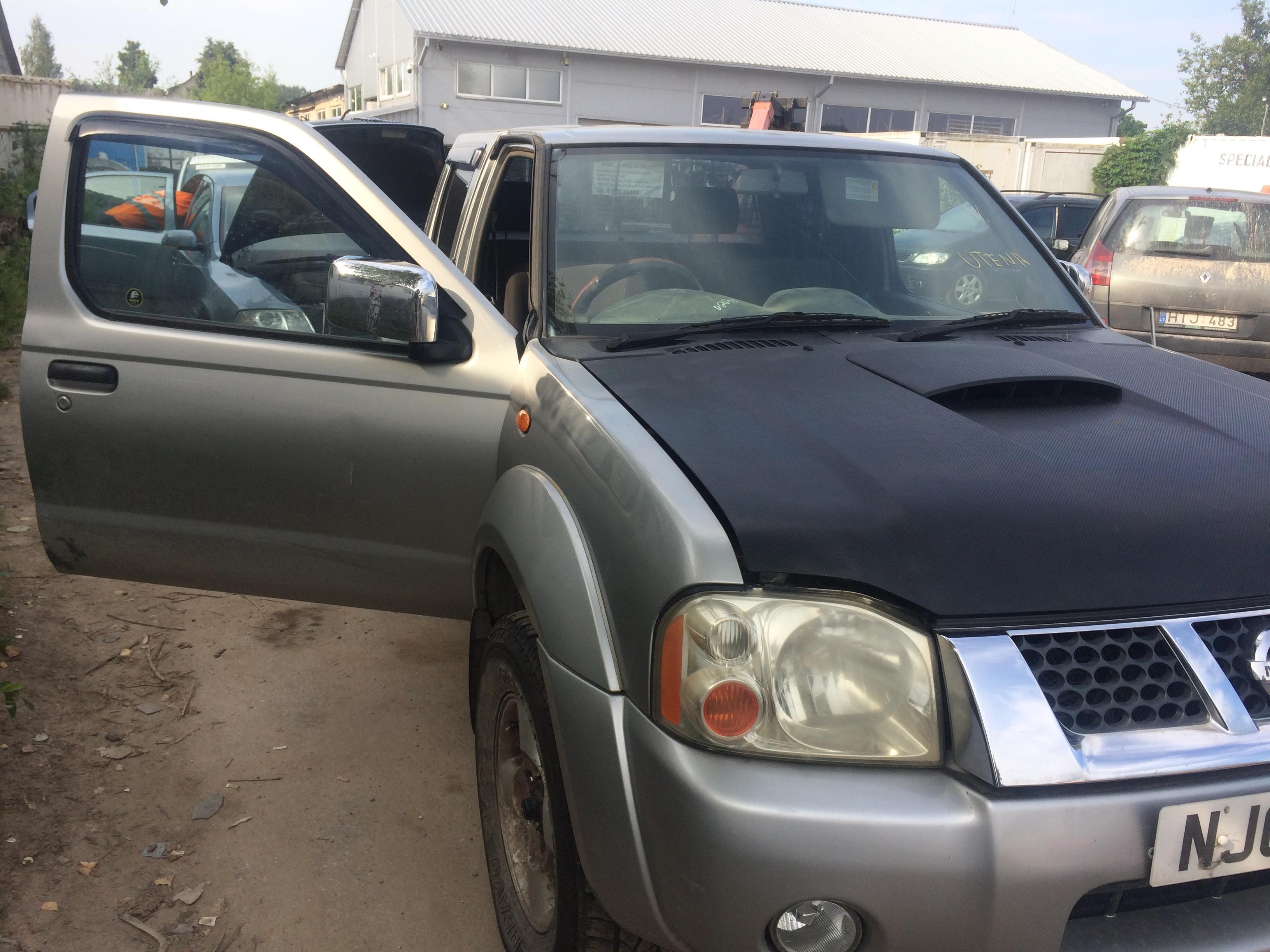 Naudotos automobiliu dallys Foto 5 Nissan NAVARA 2003 2.5 Mechaninė Visureigis 4/5 d. Sidabrine 2018-8-03 A4000
