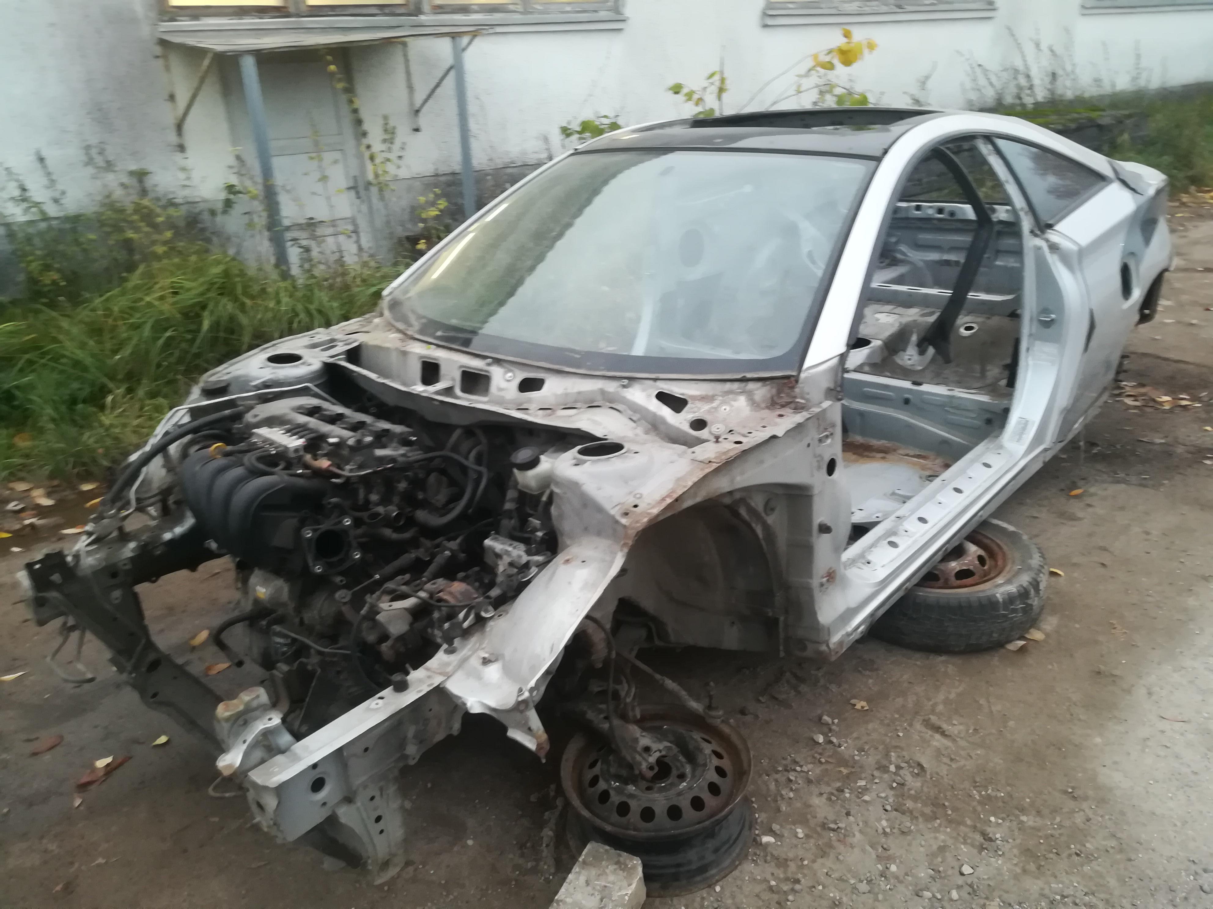 Naudotos automobiliu dallys Foto 3 Toyota CELICA 2000 1.8 Mechaninė Hečbekas 2/3 d. Pilka 2019-10-16 A4838