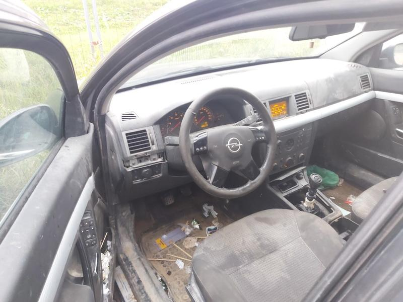 Naudotos automobiliu dallys Foto 5 Opel SIGNUM 2003 2.2 Mechaninė Hečbekas 4/5 d. Juoda 2020-10-14 A5756