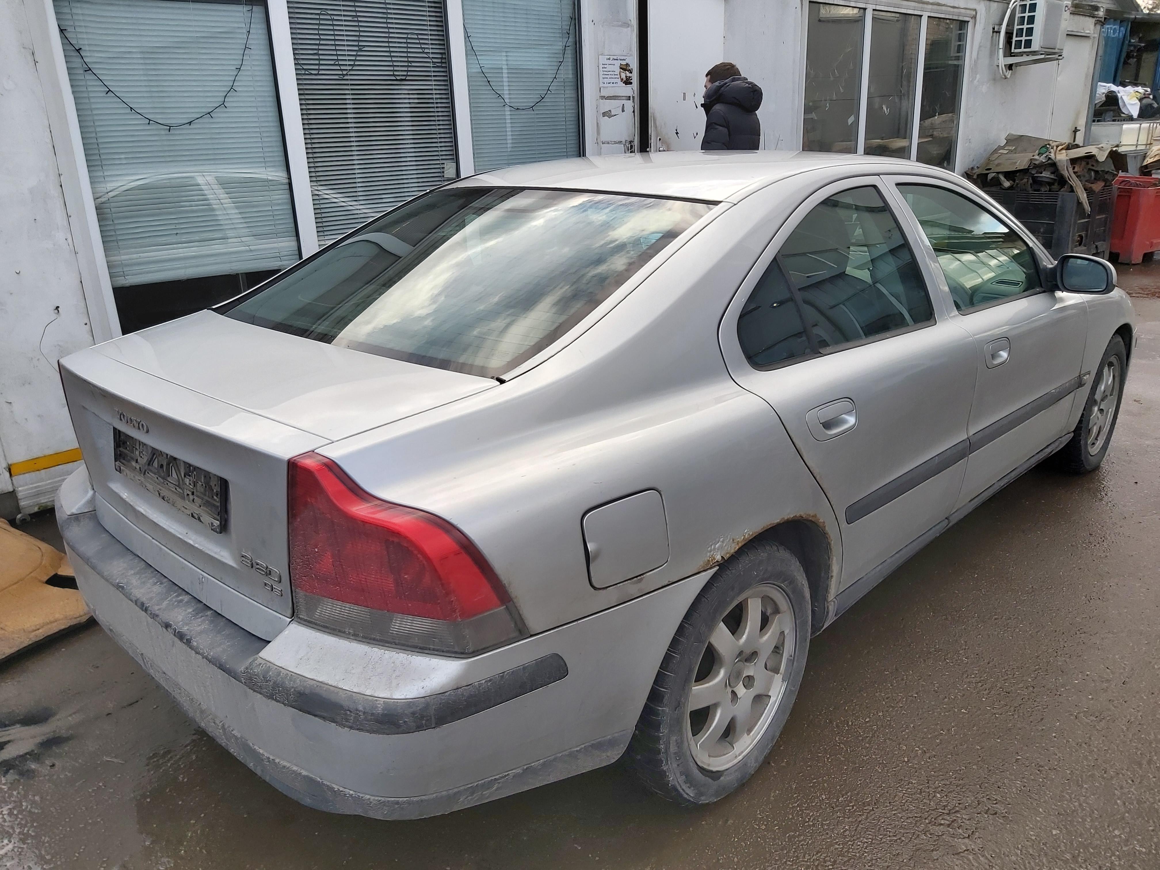 Naudotos automobiliu dallys Foto 8 Volvo S60 2002 2.4 Mechaninė Sedanas 4/5 d. Pilka 2020-2-06 A5060
