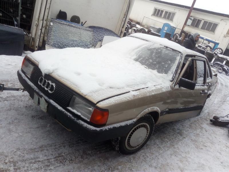 Naudotos automobiliu dallys Foto 3 Audi 80 1985 1.8 Mechaninė Sedanas 4/5 d. Smelio 2018-2-14 A3632