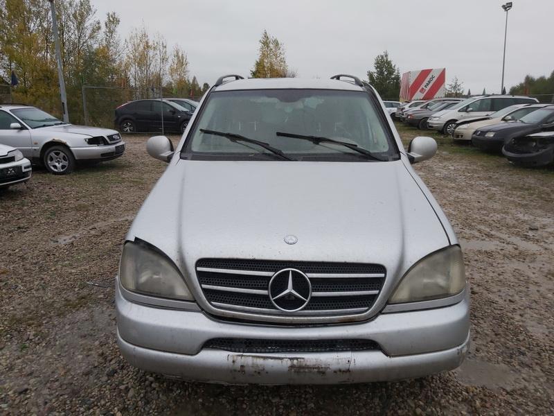Naudotos automobiliu dallys Foto 3 Mercedes-Benz ML-CLASS 2001 2.7 Automatinė Visureigis 4/5 d. Pilka 2020-10-14 A5757