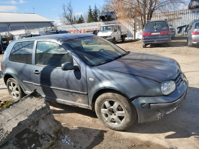 Volkswagen GOLF 2000 1.9 машиностроение