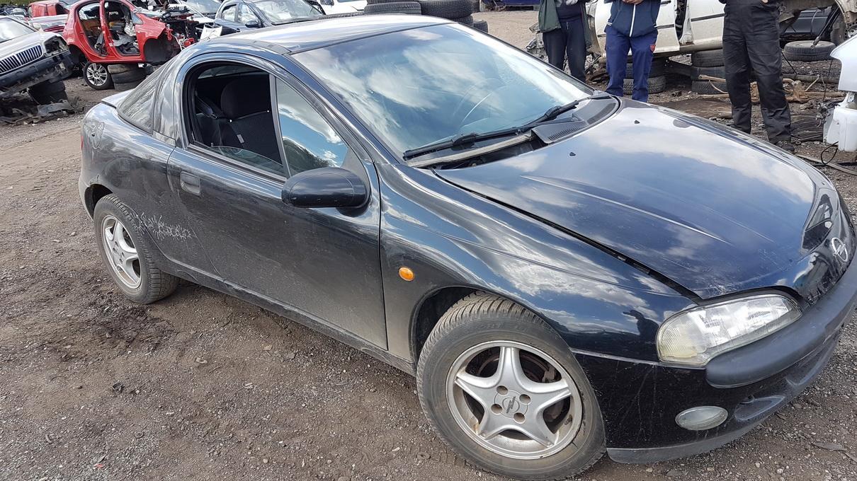 Naudotos automobiliu dallys Foto 2 Opel TIGRA 1997 1.4 Mechaninė Hečbekas 2/3 d. Juoda 2017-5-09 A3281