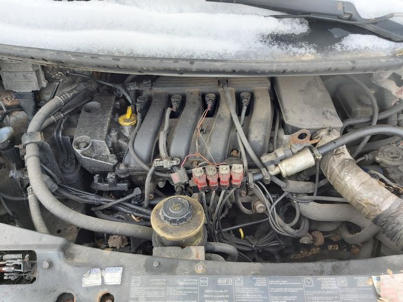 Naudotos automobiliu dallys Foto 2 Renault ESPACE 1999 2.0 Mechaninė Vienatūris 4/5 d. Sidabrine 2020-5-12 A5279