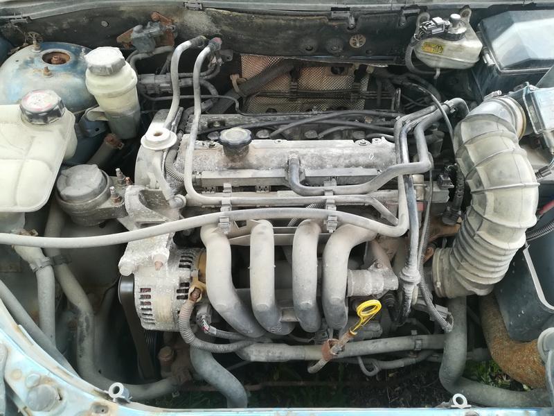 Naudotos automobiliu dallys Foto 2 Ford FOCUS 2000 1.4 Mechaninė Hečbekas 4/5 d. Melyna 2019-6-27 A4583