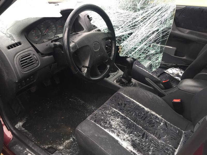 Naudotos automobilio dalys Mazda 323F 1998 1.8 Mechaninė Hečbekas 4/5 d. Vysnine 2018-10-23