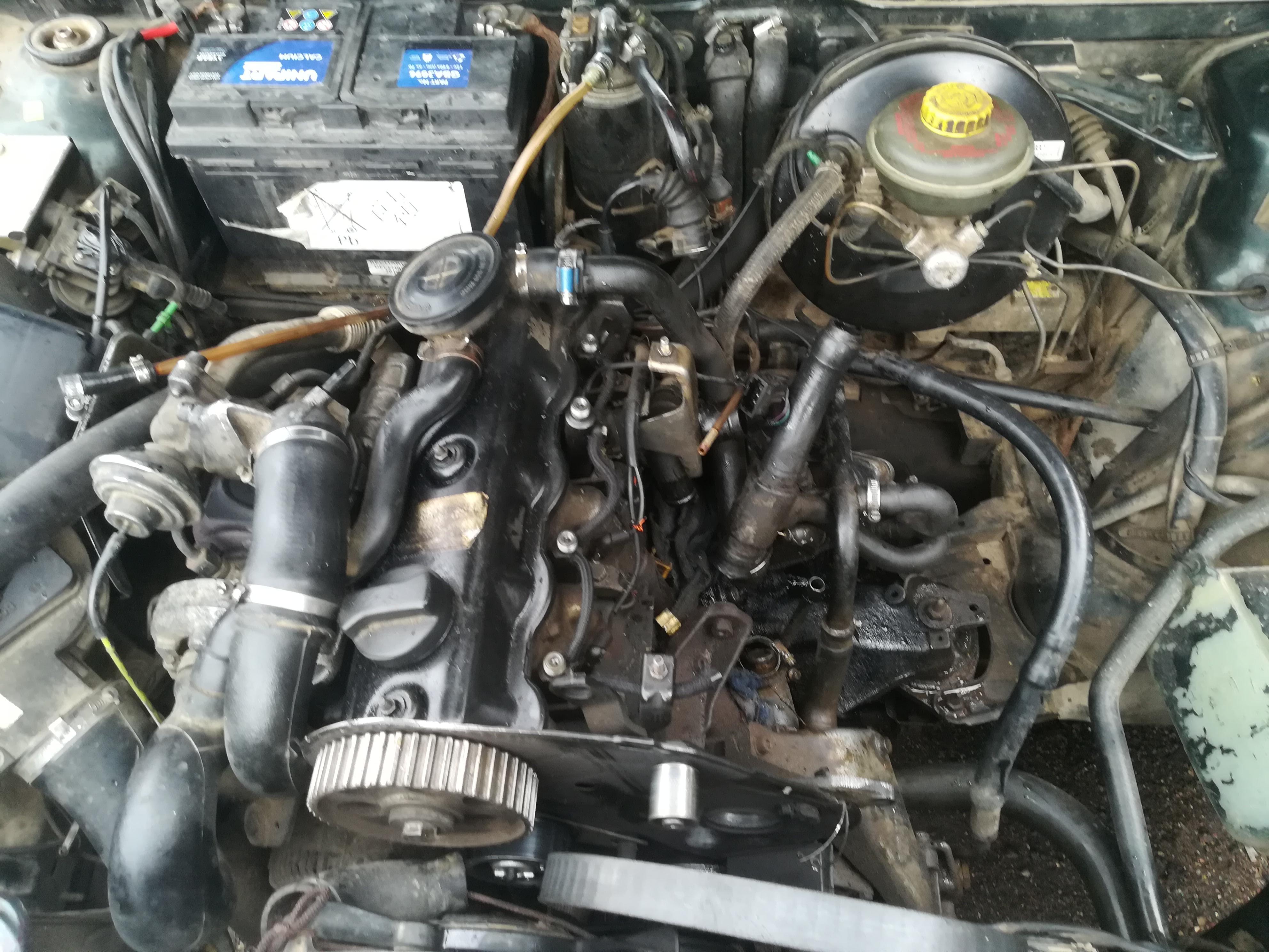 Naudotos automobiliu dallys Foto 2 Audi 80 1992 1.9 Mechaninė Sedanas 4/5 d. Zalia 2019-7-16 A4632