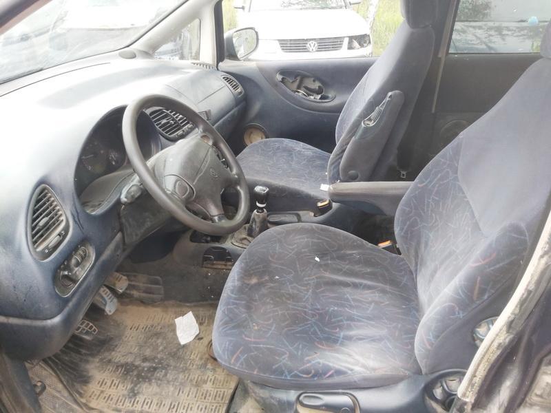 Naudotos automobiliu dallys Foto 5 Volkswagen SHARAN 1996 1.9 Mechaninė Vienatūris 4/5 d. Melyna 2020-9-14 A5660