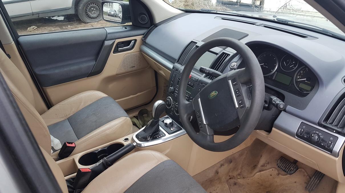 Naudotos automobiliu dallys Foto 5 Land Rover FREELANDER 2007 2.2 Automatinė Visureigis 4/5 d. Pilka 2017-5-03 A3268