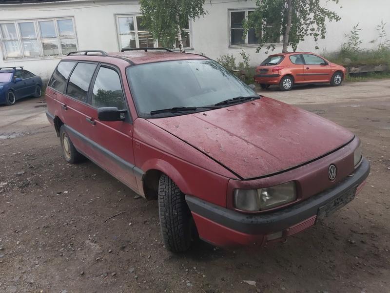 Used Car Parts Volkswagen PASSAT 1991 1.8 Mechanical Universal 4/5 d. Red 2020-7-22