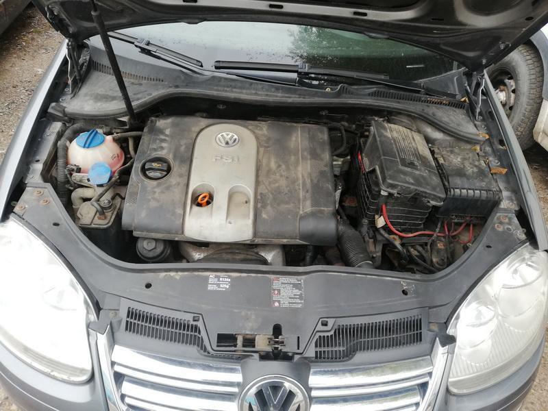 Naudotos automobiliu dallys Foto 2 Volkswagen JETTA 2006 1.6 Mechaninė Sedanas 4/5 d. Pilka 2019-9-25 A4784