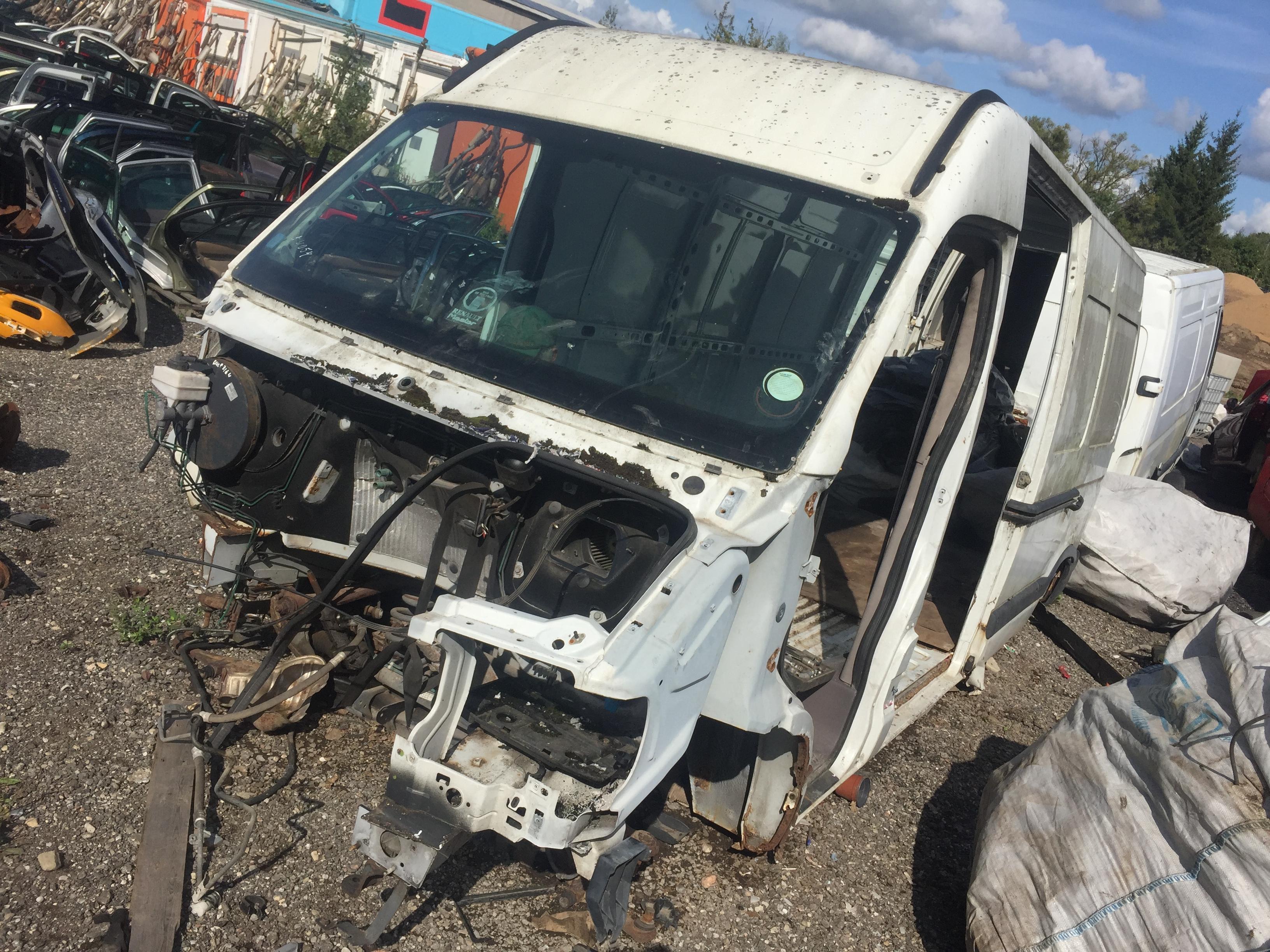 Подержанные Автозапчасти Foto 2 Renault MASTER 2001 2.8 машиностроение микроавтобус 4/5 d. белый 2018-8-27 A4054
