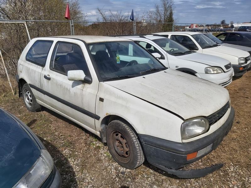 Volkswagen GOLF 1993 1.6 машиностроение