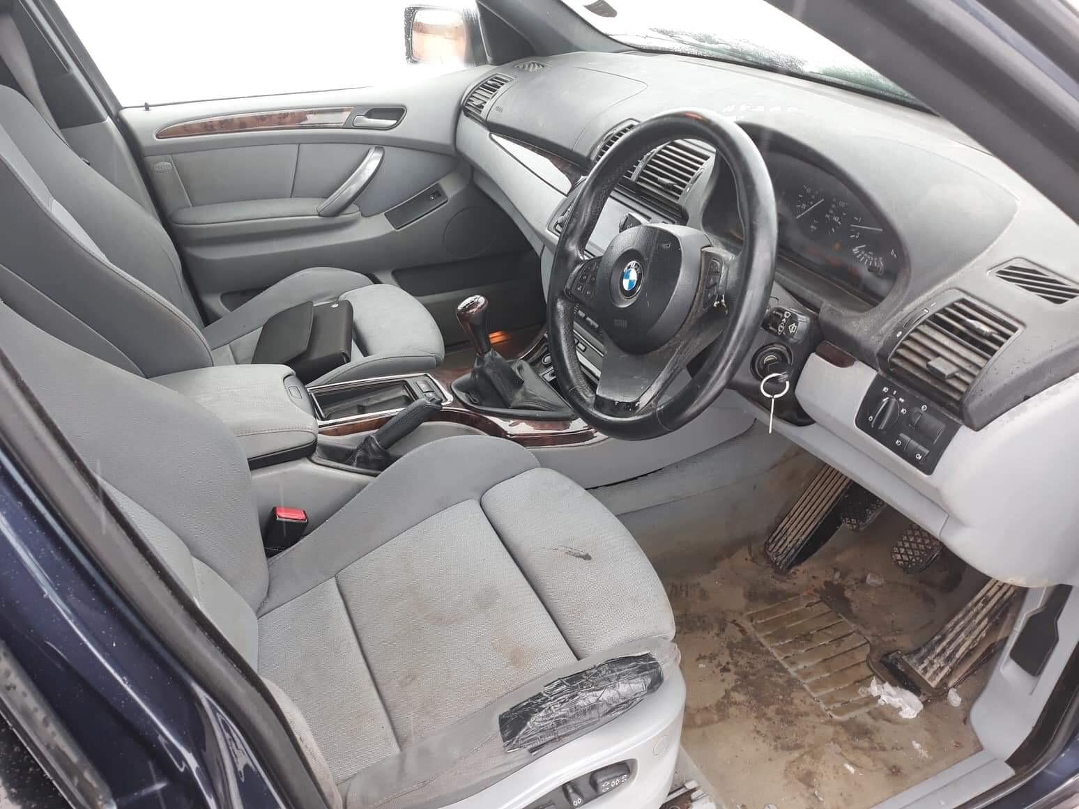 Naudotos automobiliu dallys Foto 4 BMW X5 2004 3.0 Mechaninė Visureigis 4/5 d. Melyna 2019-2-01 A4288
