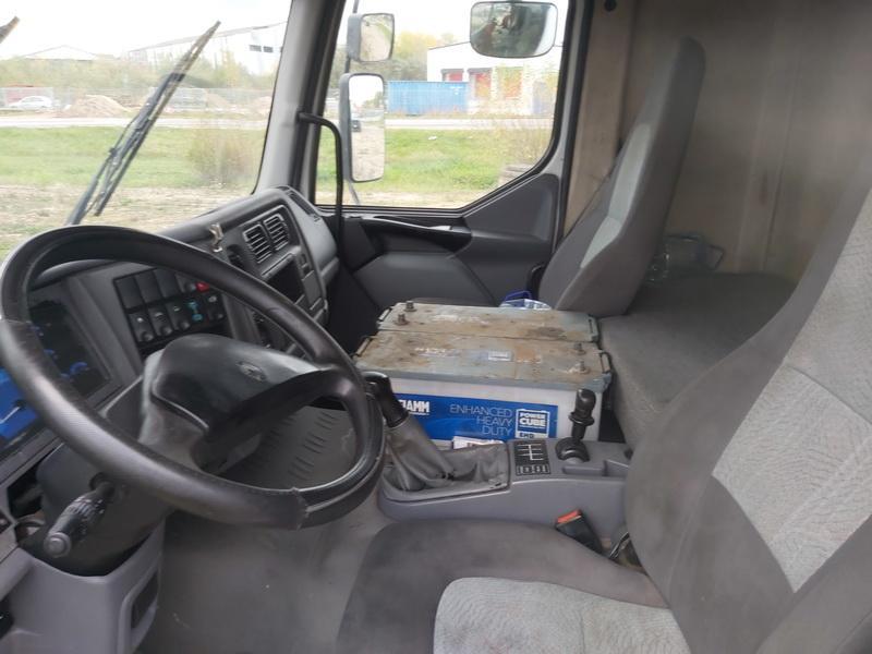 Подержанные Автозапчасти Truck - Renault MIDLUM 2005 6.2 машиностроение Sunkvezimis 2/3 d. белый 2020-10-15