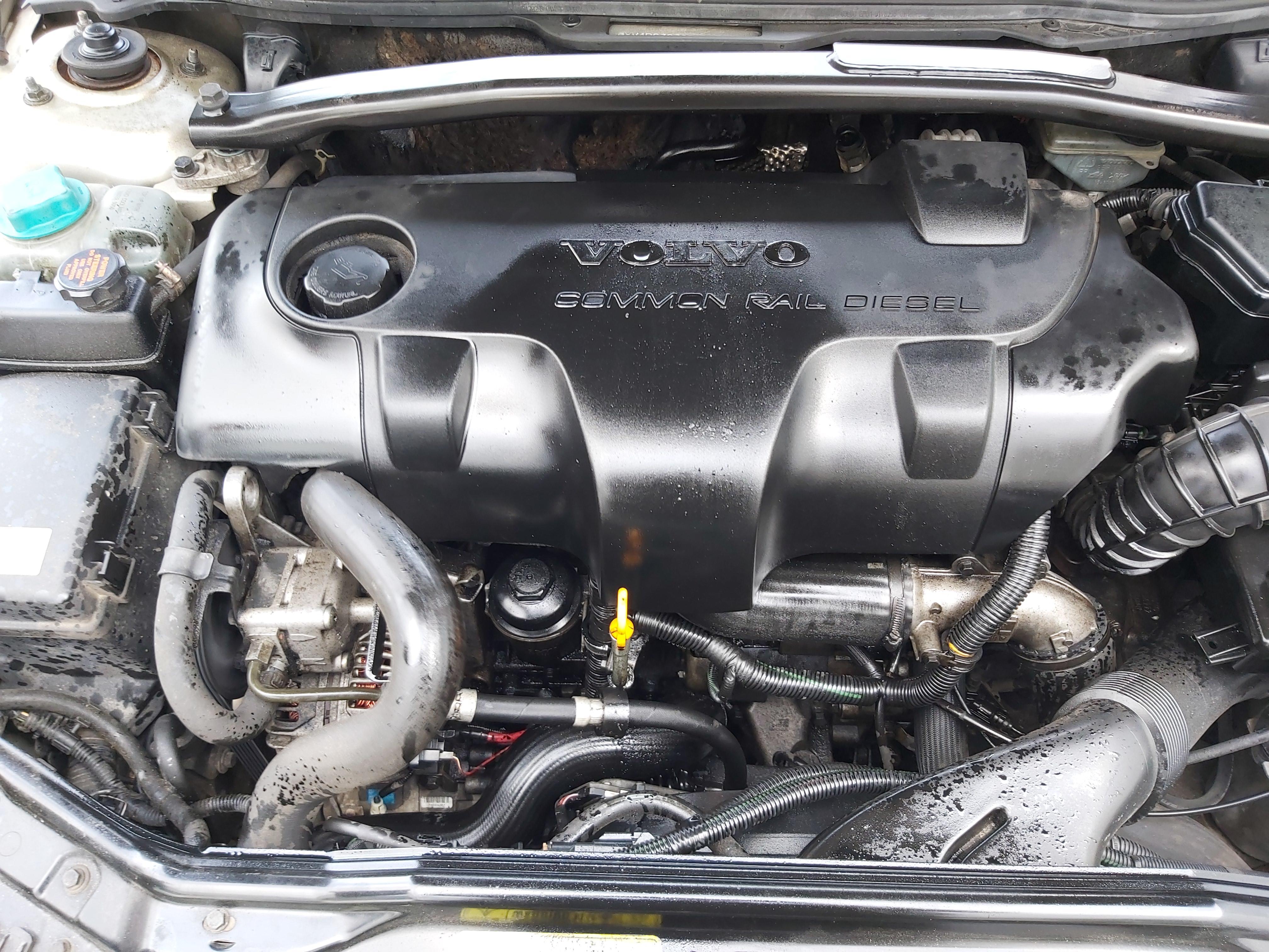 Naudotos automobiliu dallys Foto 2 Volvo S60 2002 2.4 Mechaninė Sedanas 4/5 d. Pilka 2020-2-06 A5060