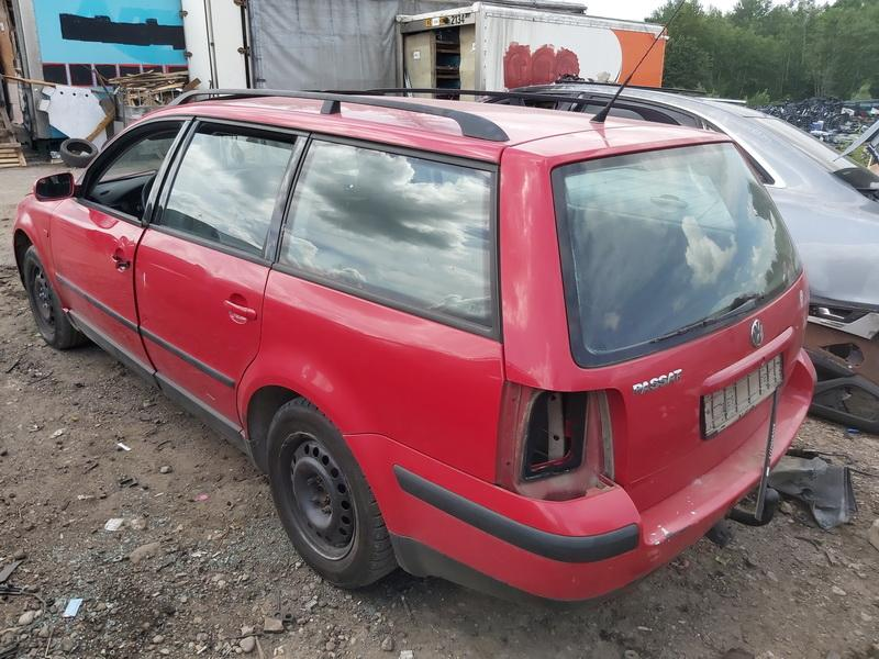 Naudotos automobiliu dallys Foto 8 Volkswagen PASSAT 1996 1.6 Mechaninė Universalas 4/5 d. Raudona 2020-6-23 A5380